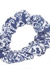 Marine og hvid scrunchie