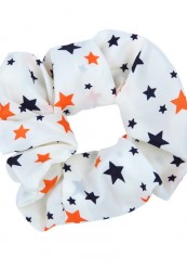 Lys scrunchie med stjerner