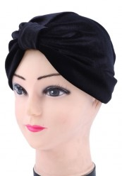 Sort velour turban hat.