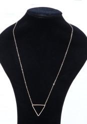 Lang halskæde med trekantet vedhæng i guldlook.