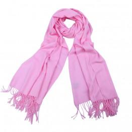 Lyserødt tørklæde i pasminalook.