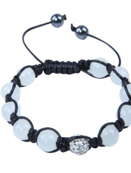 armbånd med mælkehvide perler og hvid simili