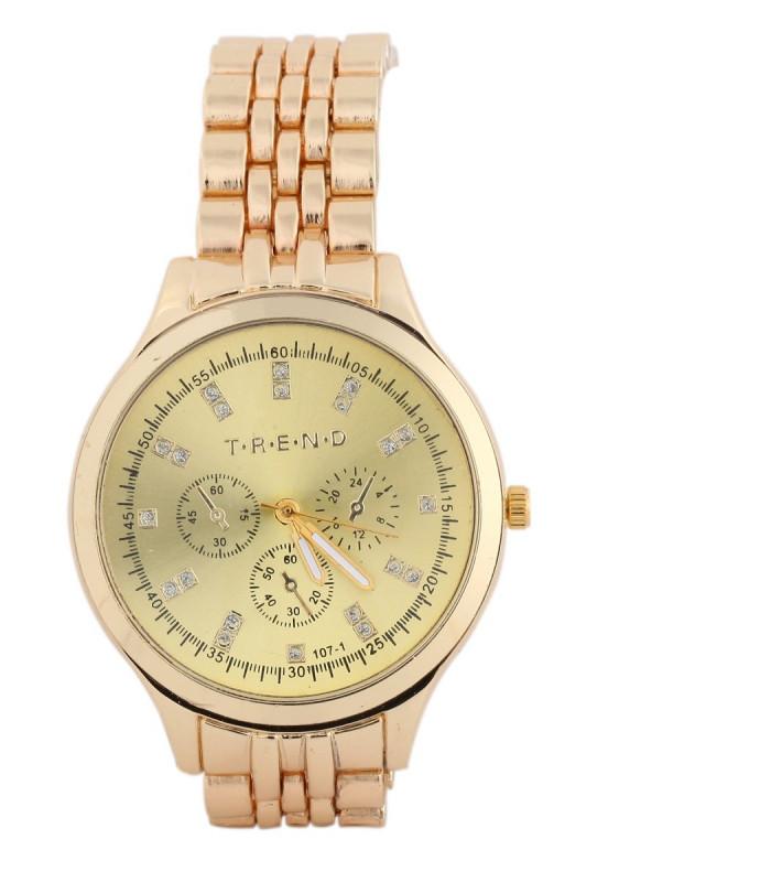 Lækkert ur i guldlook med simili sten på Skive.