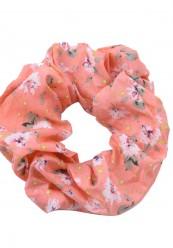 scrunchie i coral med blomster print.