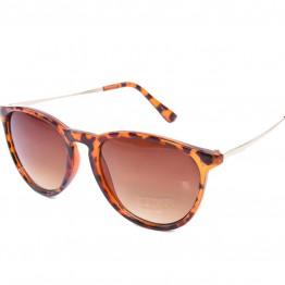 Solbrille i leopard med stel i guldlook.