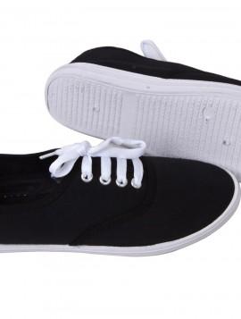 Sort gårdsanger sko i canvas med hvid bund.