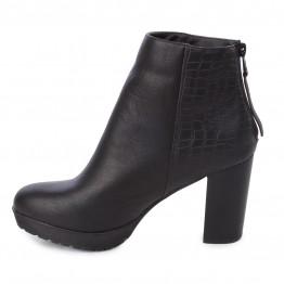 Lækker støvle i sort på med snakelook bag på.