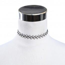Tatoo/ plastic choker med perler.