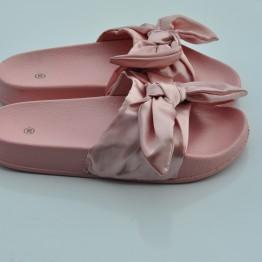Satin sandal i lyserød med sløjfe