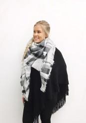 Super flot halstørklæde i offwhite og sorte/ grå nuancer