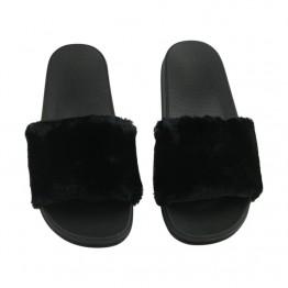 Lækker pels sandal i sort