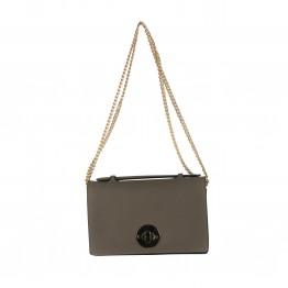 Taske i brunlig nuance med guldlås og kæderem