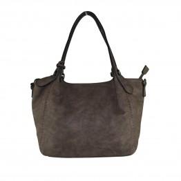 Taske i krakeleret læderlook i brunlig nuance med stor pynte kvast