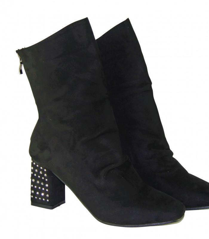 Støvle med hæj skaft og chunky hæl