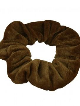 scrunchies velour look