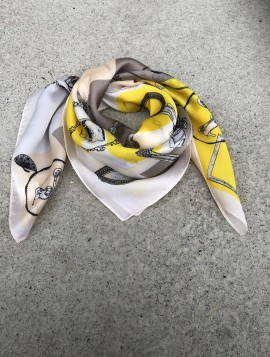 Mønstret silketørklæde
