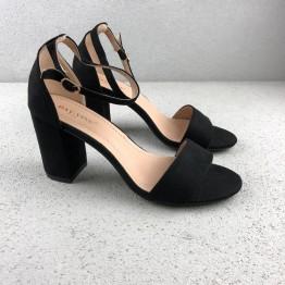 Sandal med blokhæl