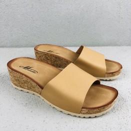 Slip in sandal med kilehæl