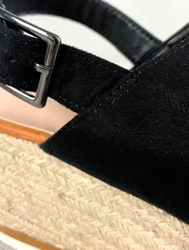 Sandal med Kilehæl