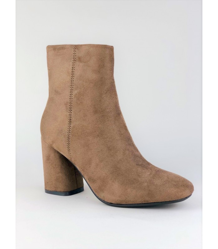Støvle med chunky hæl