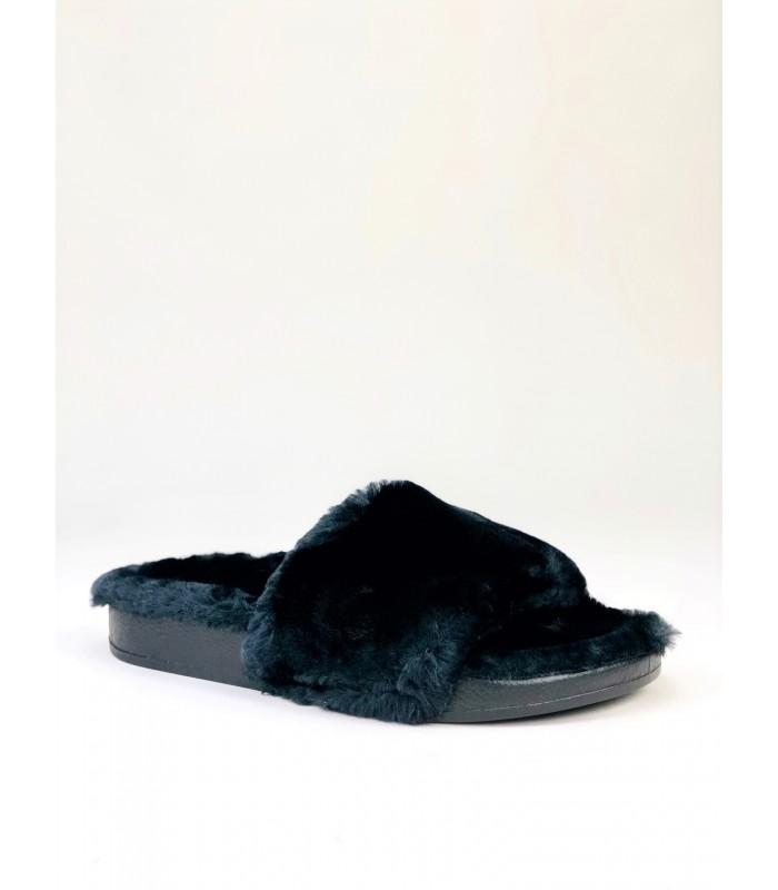 Sort slippers