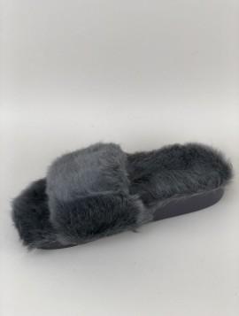 Grå slippers med kort pels