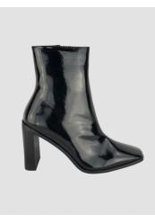 Støvler i lak