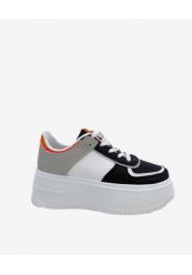 Sneakers med plateau sål