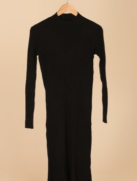 Lang strikket kjole