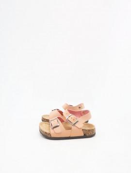 Sandal med spænder
