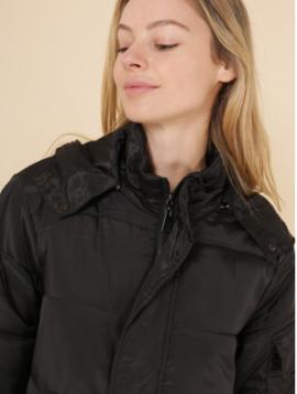 Lang dun jakke med aftagelig pels