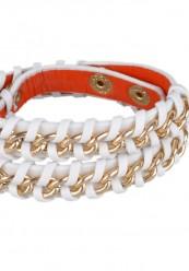 Hvidt læderarmbånd med guldkæder