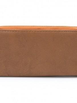 brun pung med lynlås og plads til kort