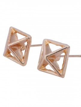 Pyramide formet ørestikkere i guld look